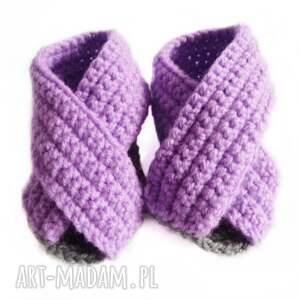 oryginalne buciki szydełkowe sandałki fioletowe