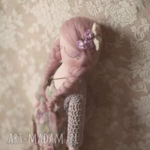 wyjątkowe lalki lalka bajka w sweterku - melancholia