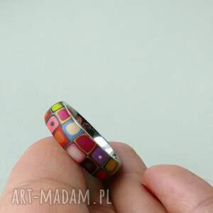 różowe obrączki pierścionki kolorowa obrączka