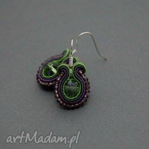 kolczyki sutasz zielono-fioletowe, sznurek, ciemnozielone, małe, koraliki, wiszące