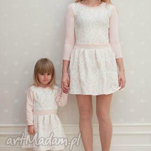 komplet sukienek nicole dla mamy i córki, sukienki, mamaicórka, córka, brzoskwiniowe