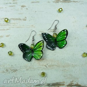 kolczyki wiosenne z motylkiem w odcieniach zieleni, grenery