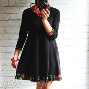 sukienki dresowa trapezowa sukienka z folkowymi kwiatami rękaw 3 4, sukienka, folk