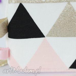 Kostka sensoryczna Różowe trójkąty, zabawka, edukacyjna, kostka,