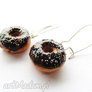 kolczyki donut z czekoladą, kolczyki, modelina, masa, fimo, donut