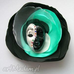 broszka z kolekcji masquerade - mięta - broszka, maska, wenecka, miętowy, cyrkonie