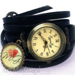 zegarki walentynkowe inicjały - zegarek bransoletka na skórzanym pasku, walentynki