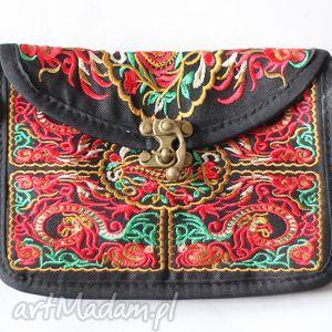 mini hmong, dymanicznie, kolorowo, etnicznie , haft