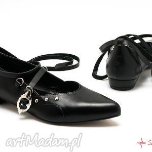 ręcznie wykonane buty katarzynki - wiązane baleriny