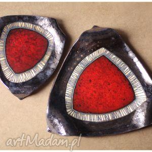 komplet dwóch pater z czerwonym okiem, ceramika, patera