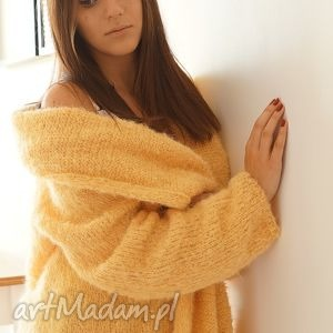 żółty kardigan z lekkim włoskiem, sweter, kardigan, alpaka, dziergany, oversize