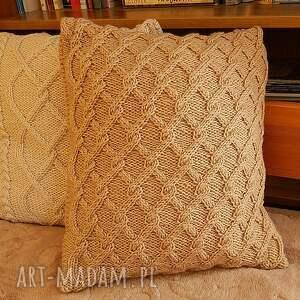 beżowa warkoczowa poduszka, handmade, dziergana, prezent, miekka dom
