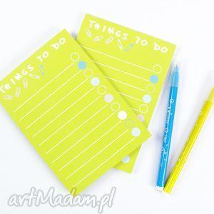 dwa żółte notesy, lista zadań do zrobienia, mały notes a6, 50 kartek, notes, planer