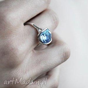 pierścionki pierścionek z białego złota próby 585 naturalnym niebieskim topazem