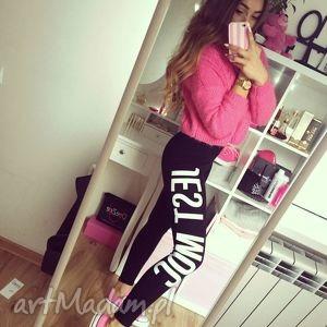 stylowe legginsy czarne getry na siłowenie do ćwiczeń, redmasterclothes