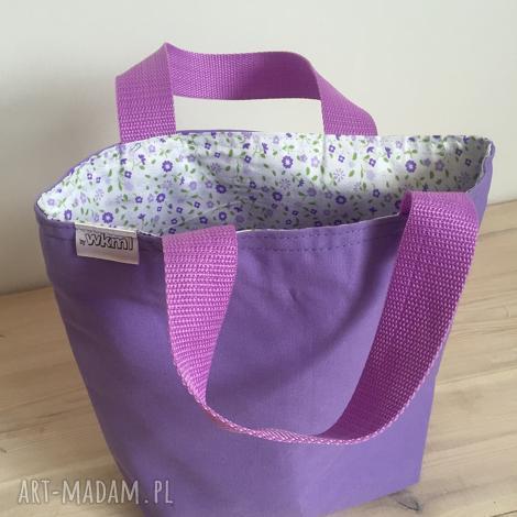 święta prezent, do ręki fioletowa łączka, kwiatki, lunch, śniadanie, pudełka, prezent