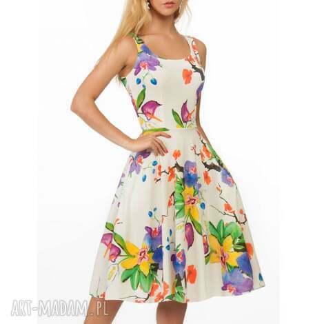 sukienka liza midi justine , kwiaty, letnia, midi, klosz, rozkloszowana, jasna
