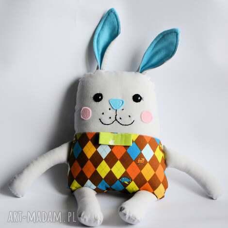 zakręcony królik - paweł, królik, zając, chłopczyk, roczek, wielkanoc, maskotka