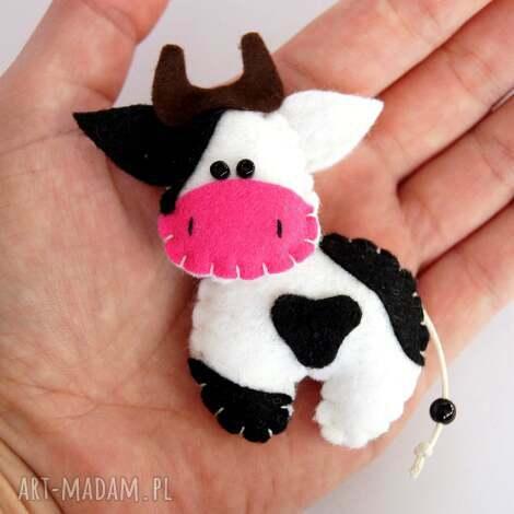 krówka broszka z filcu - filc, krowa, broszka, biżuteria, dziecko, modna