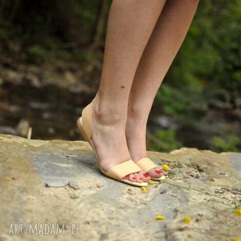 buty sandały takie, że hej , minimalistyczne, jucht, designerskie