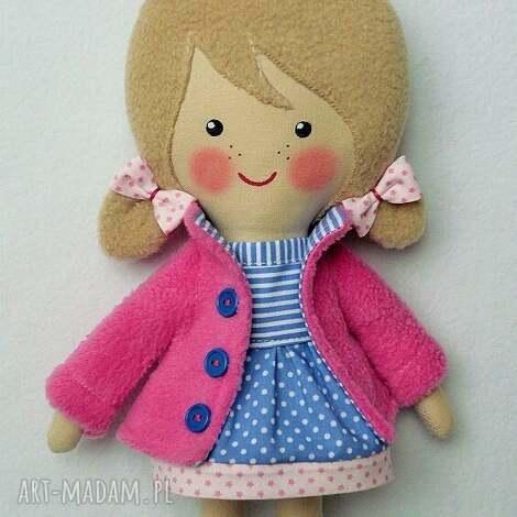 mlowana lala emilka, lalka, zabawka, przytulanka, prezent, niespodzianka, dziecko