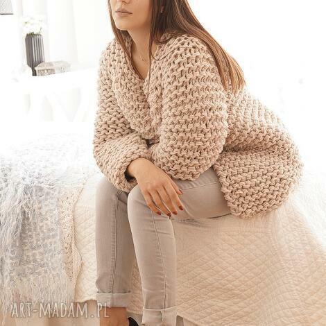 swetry beige chunky, sweter, gruby, masywny, druty, dziergany ubrania