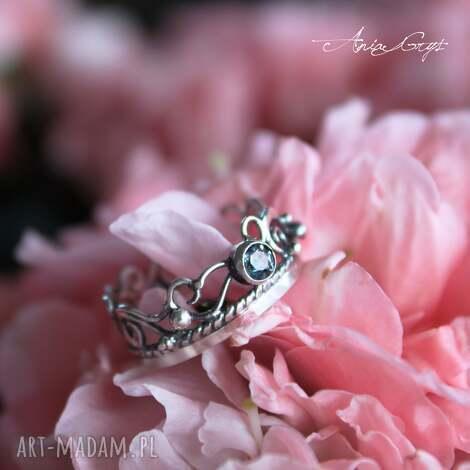 pierścionek szafirowy - topaz, srebro, ażur, oksydowany, pierścionek