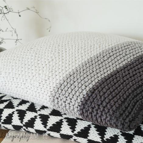 klasyczna poduszka, dziergana, bawełna, guziki, paski, grafit dom