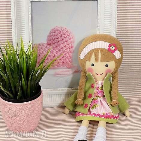 malowana lala halinka, lalka, zabawka, przytulanka, prezent, niespodzianka, dziecko