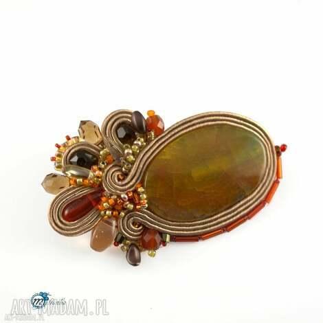 brązowa sutaszowa broszka z pomarańczowymi akcentami - broszka, przypinka, sutasz