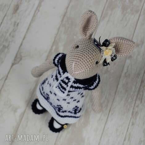 maskotki szydełkowy króliczek chloe, króliczek, przytulanka, maskotka, prezent