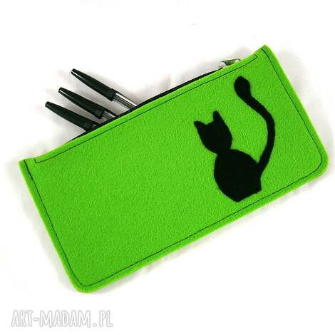 green pencil-case, piónik, kot