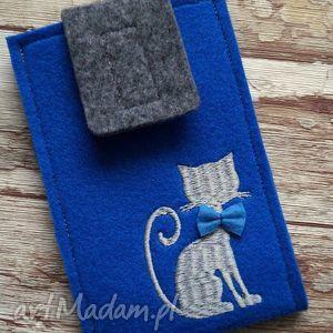 filcowe etui na telefon - kotek, etui, haftowane, kokardka, gwiazdki, prezent