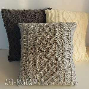 Szara warkoczowa poduszka, handmade, miękka, unikatowa, nieuczulajaca