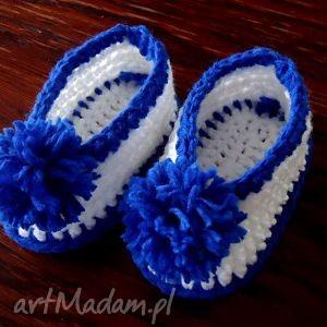 niemowlęce buciki szydełkowe dla chłopca z pomponami, niemowlece, buciki
