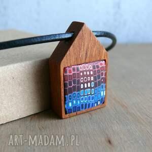 mahoniowy domek, naszyjnik - naszyjniki, drewno, niebieski, czerwony, rzemień