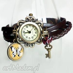 zegarek-bransoletka skórzany z zawieszkami, motyl w szkle, motylek, skóra