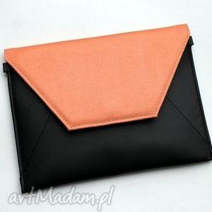 kopertówki kopertówka - czarna i klapka łososiowa, elegancka, nowoczesna, wieczorowa