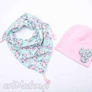 Komplet dla dziewczynki: czapka z apaszką; róże na turkusie, czapka, chusta, apaszka