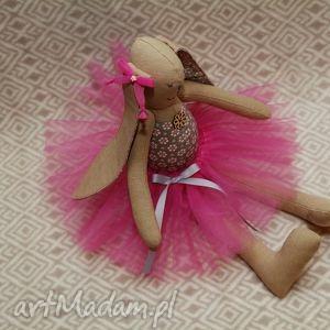 lalki baletnica beżowy kwiatuszek, królik, baletnica, zając, roczek, przytulanka dla