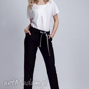 Spodnie, SD109 czarny, spodnie, kokarda, pasek, czarne, kieszenie