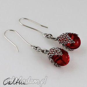 kolczyki czerwone w siateczce - kolczyki, klipsy, krople, wiszące, szklane biżuteria