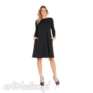 2-sukienka rozkloszowana czarna,długa, lalu, sukienka, rozkloszowana, kieszenie