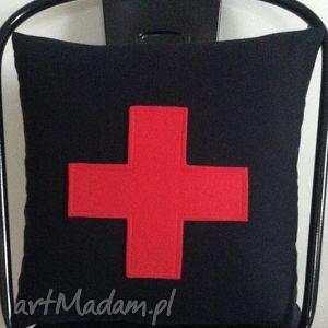 unikalny prezent, poduszki czerwony plus, krzyżyk