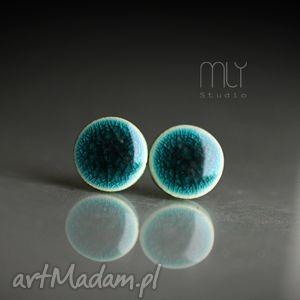 szmaragdy spękane 9mm, ceramiczne, okrągłe, sztyfty, wkrętki, błyszczące