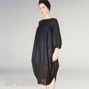 granatowo czarna sukienka oversize, marszczony, minimalizm, rekaw, szeroki, oversize