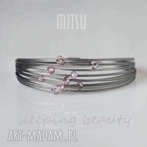 SLEEPING BEAUTY, DLA ŚPIĄCEJ KRÓLEWNY :), delikatna, niewinna, róż, kryształki