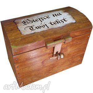 kufer z napisem na opalanym papierze, prezent, ślub, rocznica, kufer, skrzynia