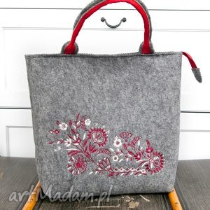 do ręki szara torebka filcowa , haft kwiaty, torba, torebk, filc, haft, kwiaty