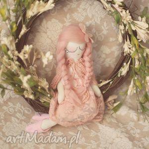 bajka wiosenna - różana wróżka w pelerynce - lalka, wróżka